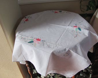 """Table Linens Vintage Solid White Embroidered Applique Linen Cotton Tablecloth - 32"""" Square (#150)"""