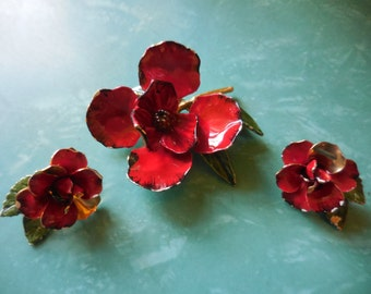 Vintage 1950s to 1960s Brooch and Clip on Earrings Set Red/White Flowers Green Leaves Gold Tone Enamel Non Pierced