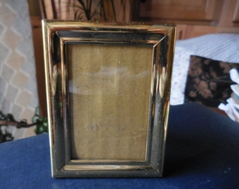 Vintage 1980s to 1990s Korean Made Shiny Brass Small Picture/Photo Self Standing Easel Back Frame