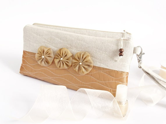 Bridesmaids Wristlets for Cosmetics, Set of 6 Purses Bridesmaids Invitation Gifts, Linen Clutches