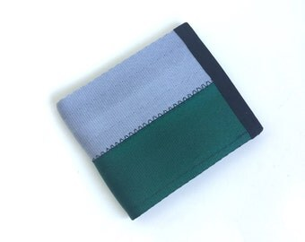 Vegan men's seatbelt wallet in Silver Gray and Emerald Green