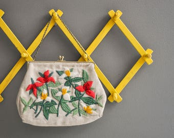 Vintage Crewel Embroidered Floral Handbag with Brass Clasp