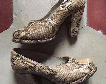 vintage 1940's Snakeskin Shoes .Platform .WW2 UK 3 / US 6 / Europe : 36 - 36 1/2 (wide plant)