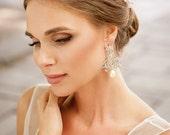 Handmade Vintage style bridal chandelier earrings. Royal bridal crystal earrings. Wedding earrings. Exquisite chandelier earrings