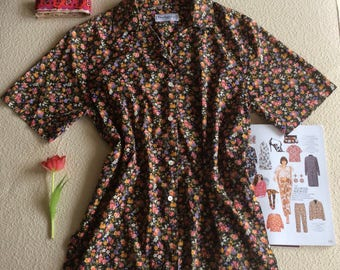 Burberrys of London vintage floral blouse or top, size 42 (EUR)/M or L