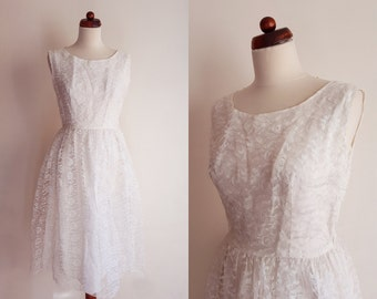 Wedding Dress - Vintage Lace Dress - White Lace Dress - 1960's White Wedding Dress - Size S