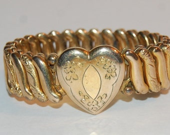 Vintage Heart Sweeheart Stretch Bracelet Valentines Day Charm