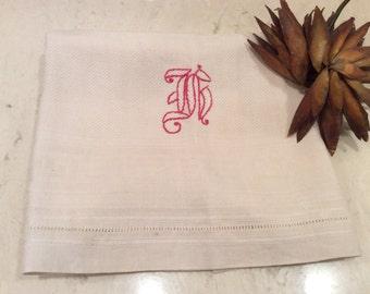 Vintage Red R Monogrammed Linen Towel, Vintage Linens, Vintage Kitchen  and Bath, Vintage Monogram, Vintage Embroidery, Vintage Damask Linen
