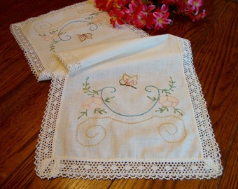 Butterfly Dresser Scarf Vintage Ivory Floral Embroidered Table Runner Lace Trim