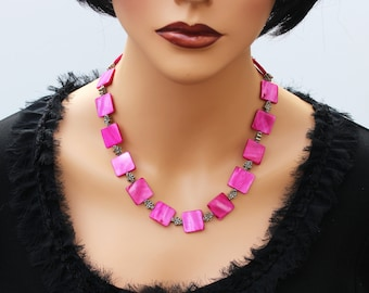 Fuchsia Mother of Pearls Unique Gemstone Necklace Set Magenta Fuchsia Pearls Jewelry Set Shell Stylish Modern Necklace Earrings gift for her
