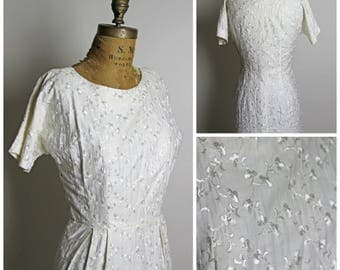 1950s Floral Embroidered White Dress
