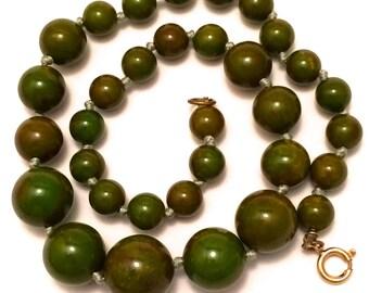 Bakelite Necklace Bakelite Green Beads