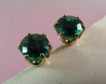 Vivid Russian Hydrothermal Emerald Stud Earrings in 14k Yellow Gold.....  Lot 5083