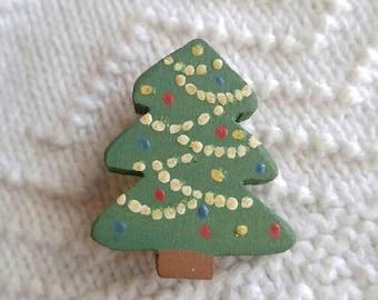 Vintage Christmas tree brooch! Painted wood