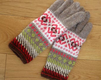 Patterned gloves. Hand knitted gloves. Red, white, beige gloves. Hand knit gloves. Natural alpaca wool.