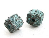 ON SALE Cube metal beads, Rustic patina on copper, Greek beads, Lead Free, flower ornament, metal casting, metal cubes - 10mm - 2Pc - F218