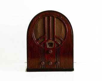 vintage 1930s Philco tube radio model no. 60B cathedral