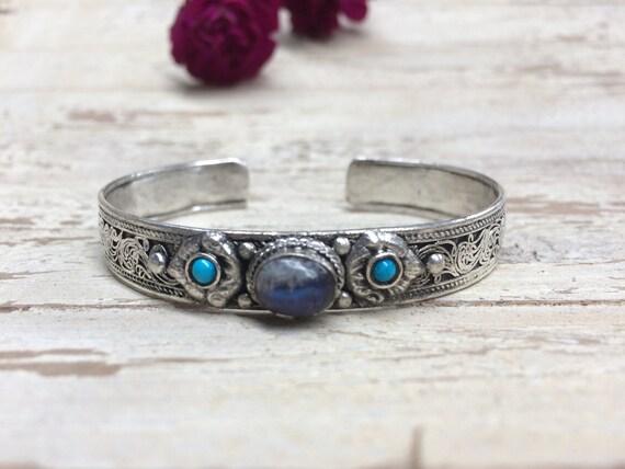 LABRADORITE TIBETAN CUFF -Silver Bracelet- Healing Crystal Jewellery- Chakra- Statement bracelet- Boho- Vintage jewellery- Tibetan