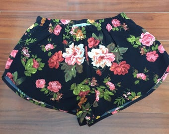 Coachella Shorts, Womens Black Peachy Coral Floral Print Shorts, Bohochic Shorts, Beach Shorts, Surf Shorts, high waist Shorts, Festival Fa