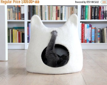 Cat bed - cat cave - cat house - eco-friendly handmade felted wool cat bed - natural white - made to order - Christmas gift