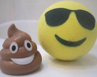 POOPBOM - Emoji Bath Bomb with Plastic Poop Emoji Toy Inside
