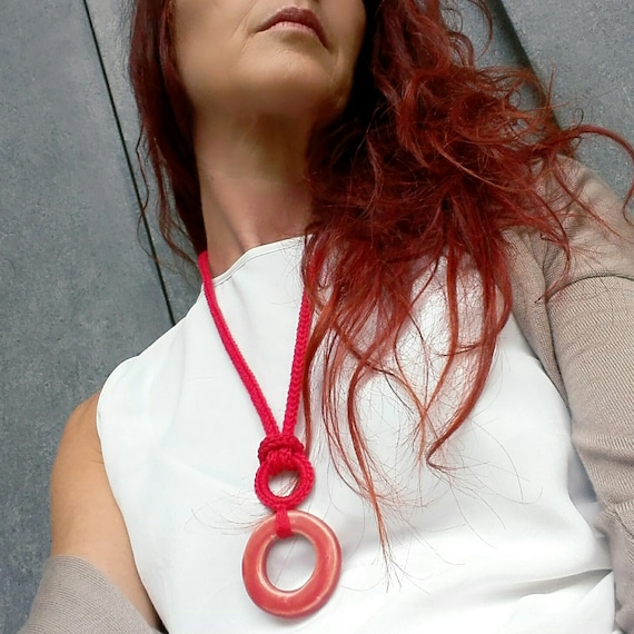 Ceramic geometric necklace / Red circle pendant / Cotton necklace  / Textile and ceramic / Modern minimal necklace / Ceramic jewelry
