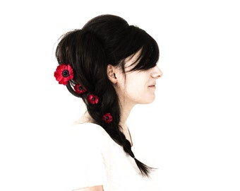 7373_Red flowers bobby pins, Poppy hair pins, Red flower bobby pins, Black bridal flowers, Silk flowers, Bridal floral hair pin, Floral hair
