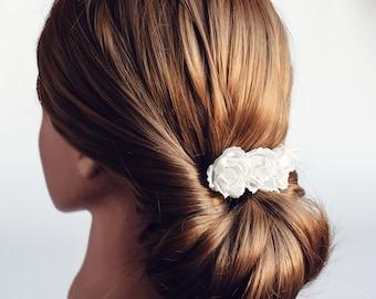 71_Wedding hair comb, White rose hair comb, Bridal flower comb, Wedding hair accessories, Rose hair flowers, Wedding rose comb. Bridal hair.