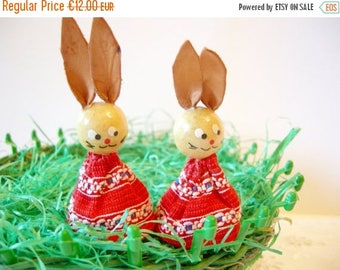 SPRING SALE - Pair of Lovely German Vintage Erzgebirge Bunnies, made in the DDR, Easter Retro Home Decor