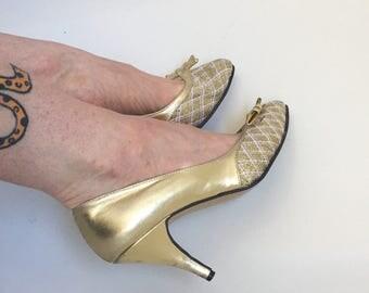 1950s gold stilleto shoes
