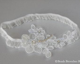 Flower Lace Garter Rhinestone Wedding Garter, White Stretch Lace Garter, Rhinestone Trim Wedding Garter, Woodland Wedding Accessory