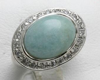 Vintage 14k white gold Oval Green Jade Ring Cubic Zirconia bezel East West large Estate