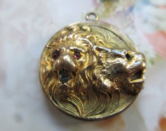 Victorian Repousse Lion Locket - Antique Locket - Victorian Gold Fill - Estate Heirloom Jewelry - Gifts For Girlfriend - Romantic Gifts