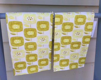 pretty tea towel, dish towel, hand towel, hostess gift, housewarming gift, retro