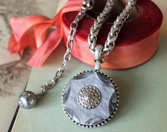 Chunky Necklace Silver, large Size Marbled Grey Celluloid Vintage Button Necklace, Vintage Button Jewelry veryDonna