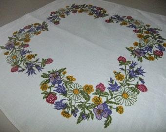 Vintage Swedish hand printed linen tablecloth - Summer flower wreath