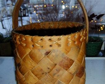 Vintage Swedish large breaded basket in birch bark - Genuine handicraft - signed HÅ 1981