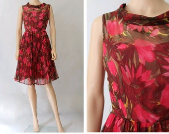 1960 pleated floral Dress