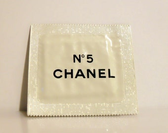 Vintage 1980s Chanel No. 5 by Chanel Perfume Sample Towelette Packet