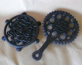 Vintage Cast Iron Wilton Trivet lot of 2 Rare 19th C. American Eagle Lion's Paw Rose thicket Foot Pot Holders