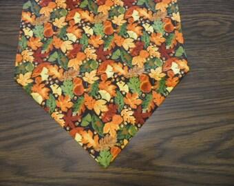 Fall Leaves Table Runner, Fall Dresser Scarf, Fall Leaves Party Decor, Fall Leaves Table Runner, Table Linen