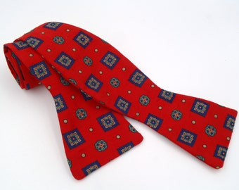 Vintage 1980s Red Adjustable Silk Bow Tie with Blue Neats