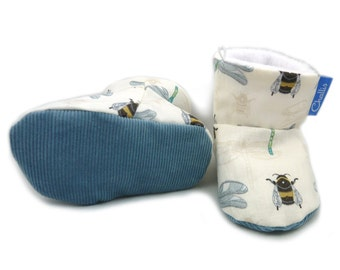 Baby Boy Gift / Summer Baby Boots / New Baby Booties / Fabric Booties / Fleece Lined / Stay on Booties / Baby Shower / Pram Crib Shoes