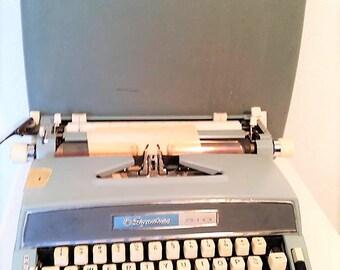 VINTAGE TYPEWRITER SIGNATURE 510 Manual Blue Typewriter with Original Green Case 1965