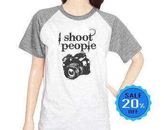 I shoot people shirt blogger shirt instagram shirt women shirt hipster shirt quote tshirt cute tee short sleeve tshirt unisex size S M L