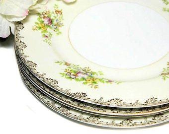 Four Meito Hand Painted Dinner Plates Floral Sprays Japan