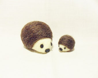 Needle Felted Hedgehog -  mum and baby hedgehog - Corridale & Merino wool - Mother's Day Gift - wool felt hedgehogs - felted hedgehog
