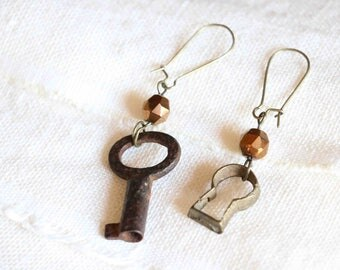 "earrings ""the door of dreams"" -antique keyhole- old key"