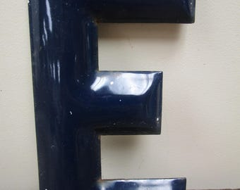 """Vintage 10"""" BLUE Enamel Porcelain Gas Station Sign Letter- E"""
