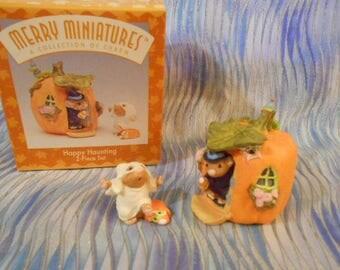 Hallmark Merry Miniatures-Happy Haunting-1996